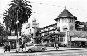 Hotel Hollywood on the corner of Hollywood and Highland, circa late 1930s. (Bizarre Los Angeles)