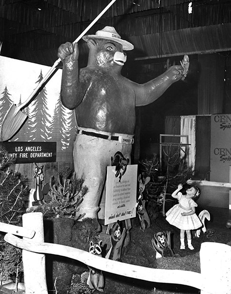 Smokey the Bear at the Pan Pacific Auditorium during the 1962 Sportsmen's Show. (Bizarre Los Angeles)