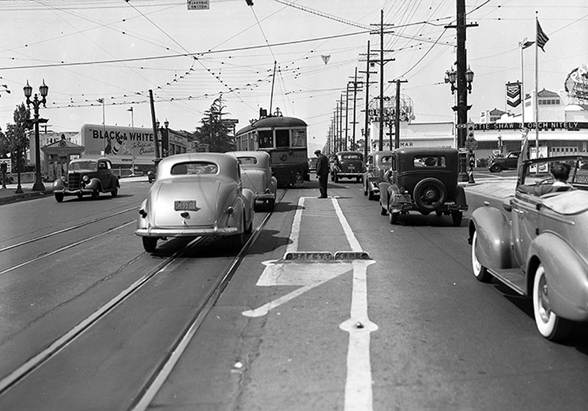 The intersection of Vermont Avenue and 3rd Street, facing north in June of 1939. LAPL: 00104345. (Bizarre Los Angeles)