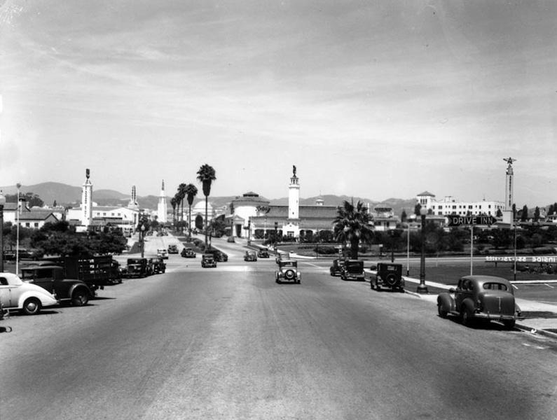 Westwood Village in Los Angeles, circa 1937. (Bizarre Los Angeles)