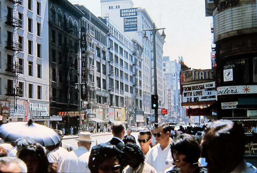 Broadway and 7th Street, c. 1965. (Bizarre Los Angeles)