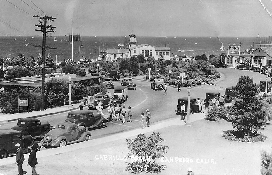 A great 1930s photo of Cabrillo Beach in San Pedro. (Bizarre Los Angeles)