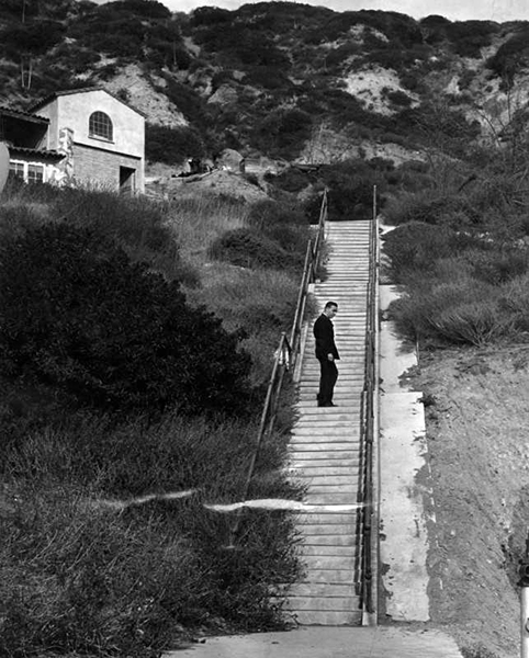 271 steps to the garage. Thelma Todd's deathsite (Bizarre Los Angeles)