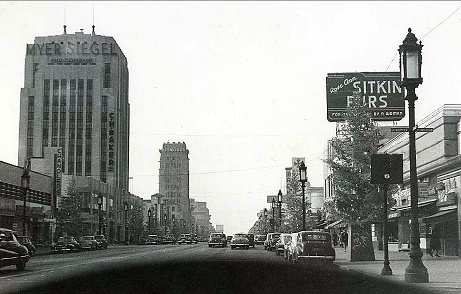 """A vintage dashboard view of Wilshire Boulevard's """"Miracle Mile."""" Undated."""