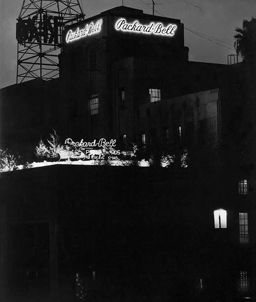 The Packard-Bell Building in the late 1940s. According to IMDb, its address was 3457 Wilshire Blvd. It was located in close proximity to the Zephyr Room and the Chapman Park Hotel and Bungalows (both no longer around). Bizarre Los Angeles
