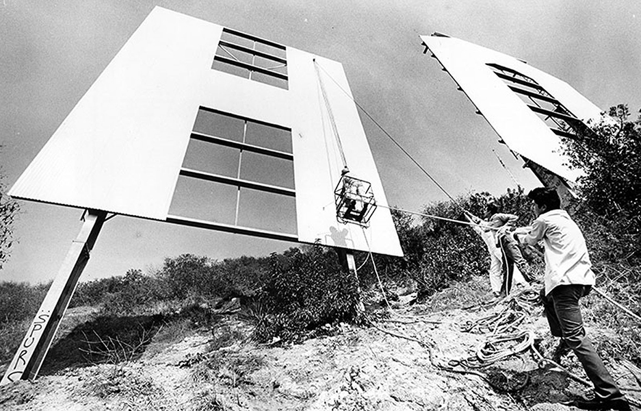 Painting the Hollywood Sign in 1985. Bizarre Los Angeles