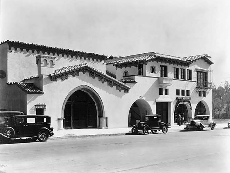 Hollywood Brown Derby Restaurant located at 1620-28 N. Vine St. Architect: Carl Jules Weyl, 1928. (Bizarre Los Angeles)