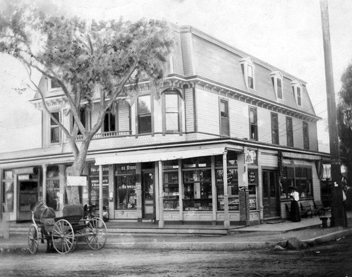 The Sackett Hotel in Hollywood, CA., circa 1890s. (Bizarre Los Angeles)