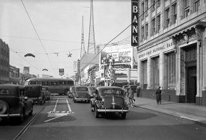 Christmas on Hollywood Blvd in 1938 (Bizarre Los Angeles)