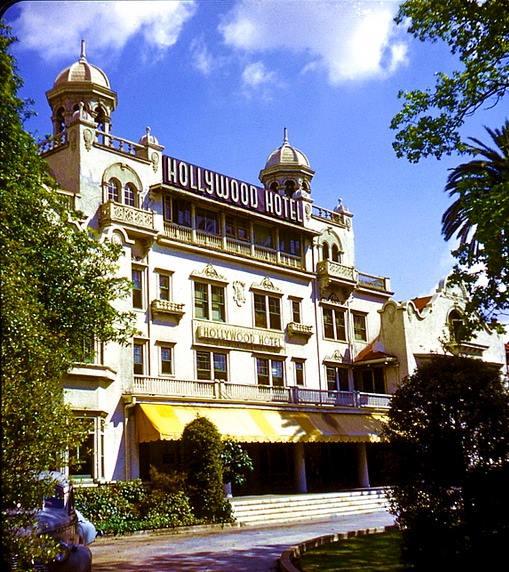 Hollywood Hotel in color. (Bizarre Los Angeles)