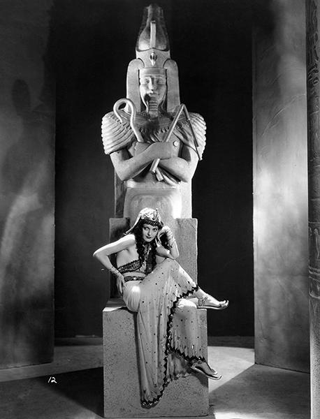 "Horror Queen Zita Johann on the set of ""The Mummy"" (1932). Bizarre Los Angeles"