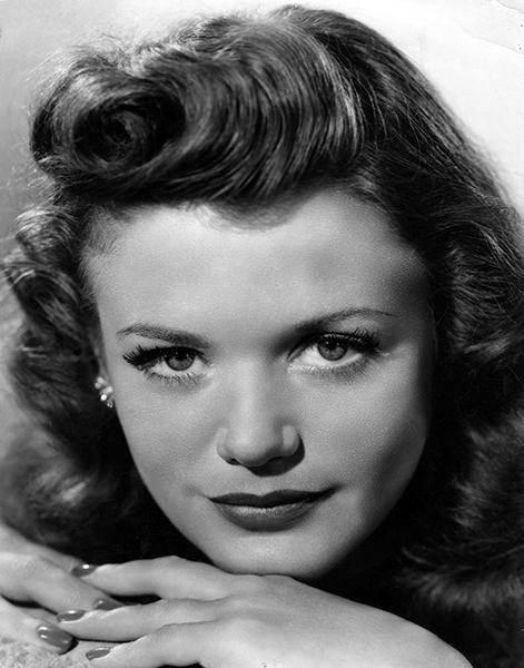 Simone Simon in 1942 (Bizarre Los Angeles)
