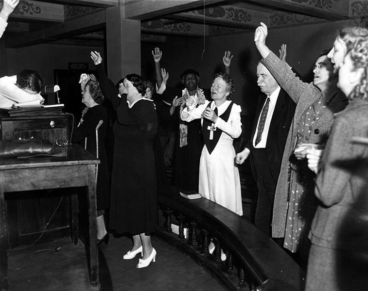 A gathering at the Angelus Temple Prayer Tower after hearing the news that its founder, evangelist Sister Aimee Semple McPherson, had died from an overdose of pills in Oakland, California. Photo: September 27, 1944. (LAPL 00021742) Bizarre Los Angeles