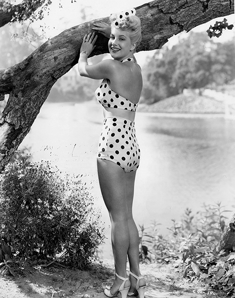 Chili Williams sporting her sculpted body and famous swimsuit in 1944. (Bizarre Los Angeles)