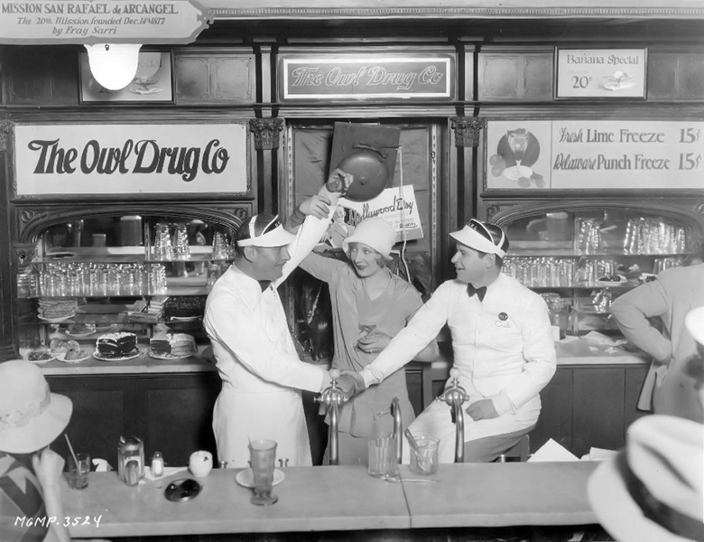 Lew Cody wins a soda jerk contest against Ralph Spence in 1928. (Bizarre Los Angeles)