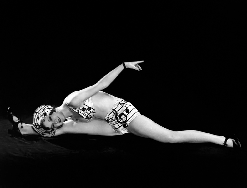 A Broadway Melody Chorus Girl doing the splits. (Bizarre Los Angeles)