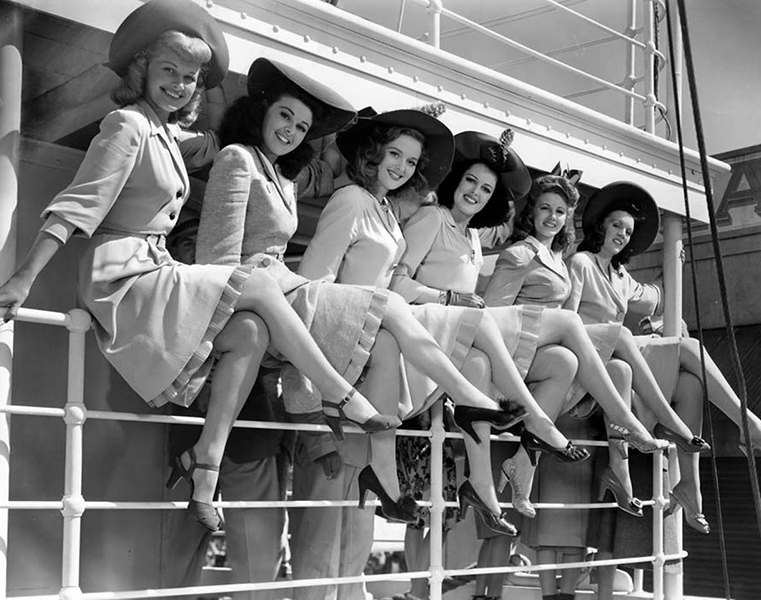 Show girls on the set of Happy Go Lucky (1943) at Paramount Studios. (Bizarre Los Angeles)