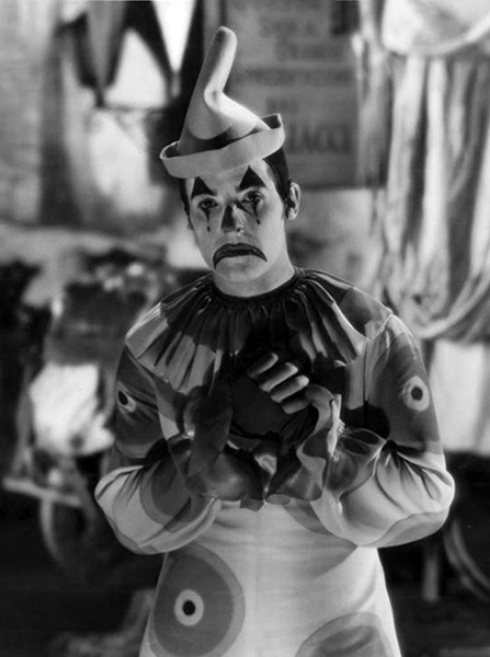 """""""Here in Hollywood, the people who are struggling are happy; it is only those who have achieved that are discontented. When I was working as an extra and in small parts, I was always happy because I was always living in the future."""" –Ramon Novarro (Bizarre Los Angeles)"""
