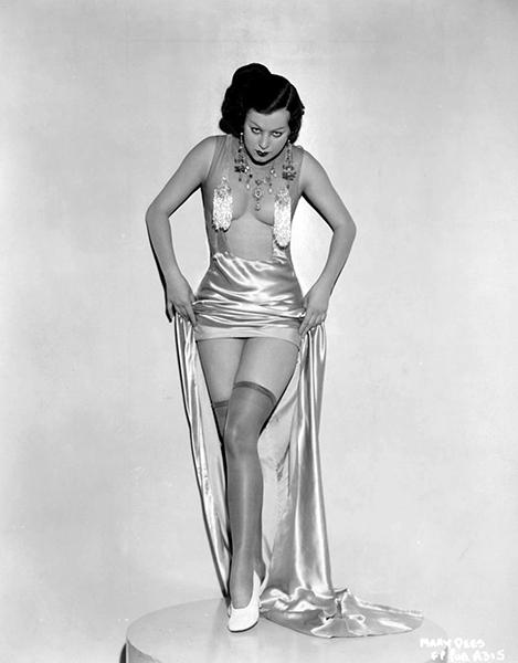 Mary Dees as a Busby Berkeley chorus girl in 1933. (Bizarre Los Angeles)