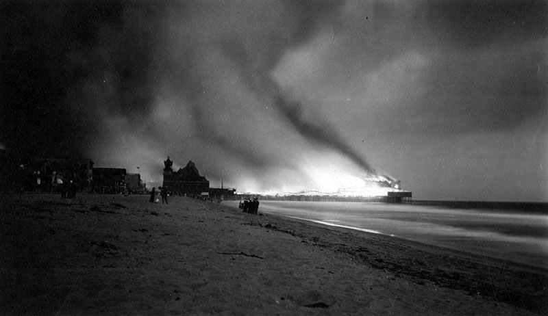 Bizarre Tales: The Day Ocean Park Burned (Bizarre Los Angeles)